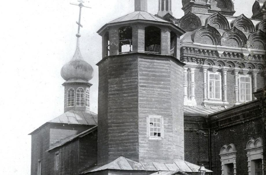 В XVI-XVIII веках деревянный Введенский храм стоял в селе Слепушкино. 1912. ИИМК