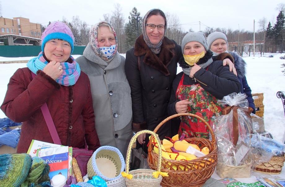 предрождественская благотворительная ярмарка